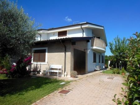 Bifamiliare Villa Oliveti