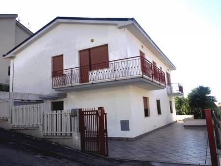 Villetta con 2 Appartamenti