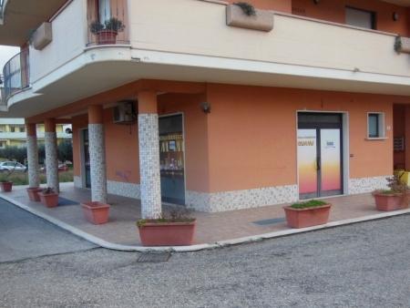 Locale Commerciale Cepagatti